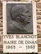 plaque commemorative yves blanchot dinan