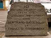 plaque commemorative bertrand duguesclin et thomas de cantorbery dinan