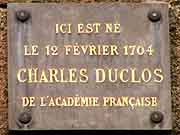 plaque commemorative charles duclos dinan