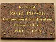 plaque commemorative rene pleven dinan