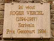 plaque commemorative roger vercel dinan