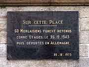 plaque commemorative otages du 26-12-1943 morlaix